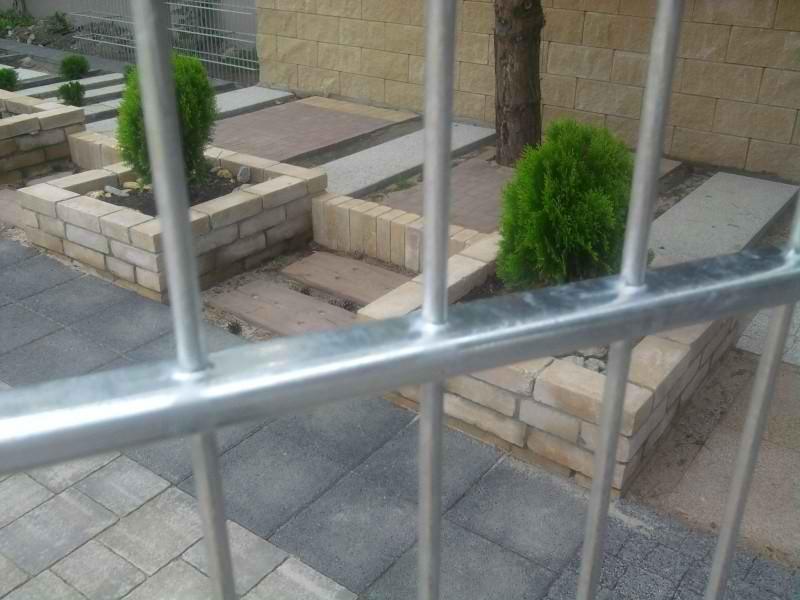 Samostatný plotový díl, v. 2m, d. 2,5 m, oko 5x20 cm