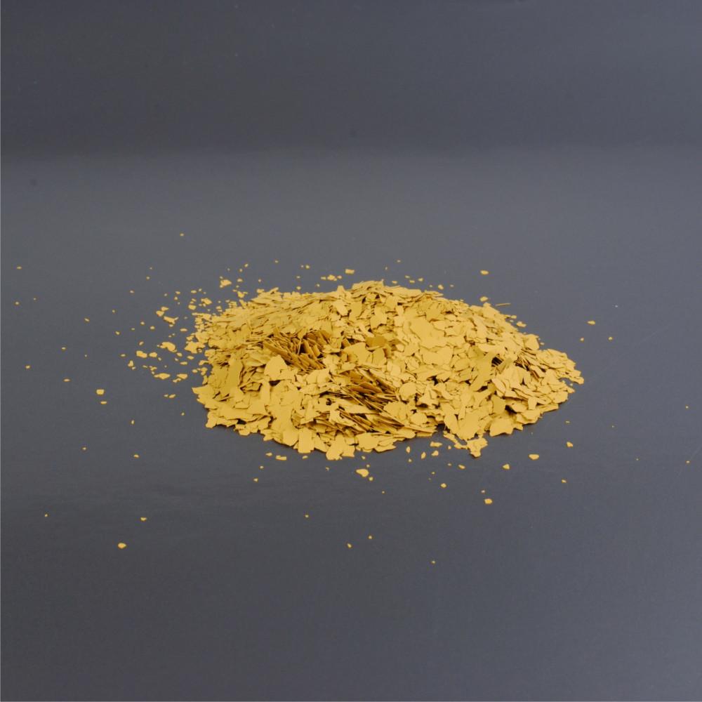 Barevné chipsy - okrová 3/91 3mm (balení 1kg)