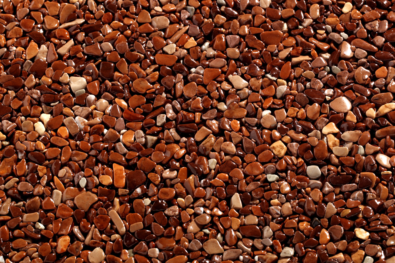 TOPSTONE Kamenný koberec Marrone Mogano frakce 2-4mm tloušťka 0,7cm stěna